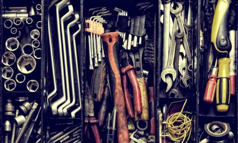 How to Keep Tools from Rusting in a Toolbox