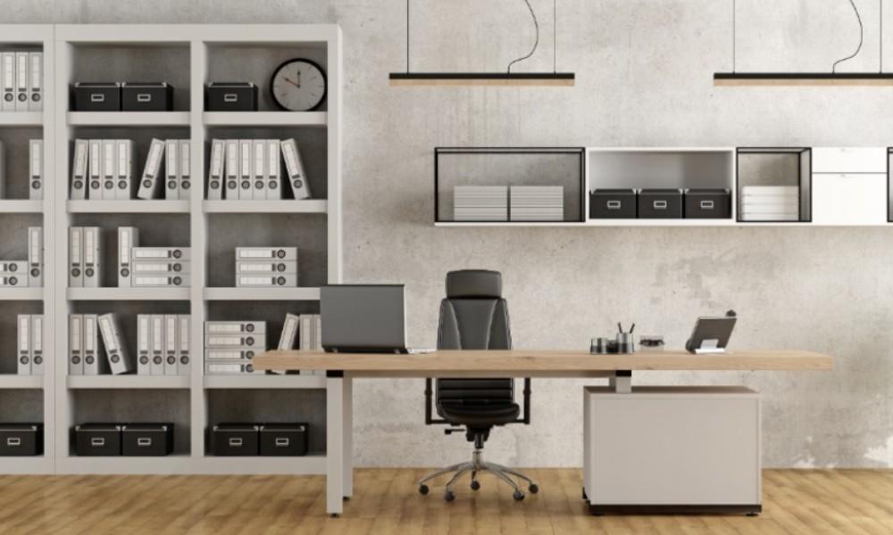 Messy Desk vs. Clean Desk
